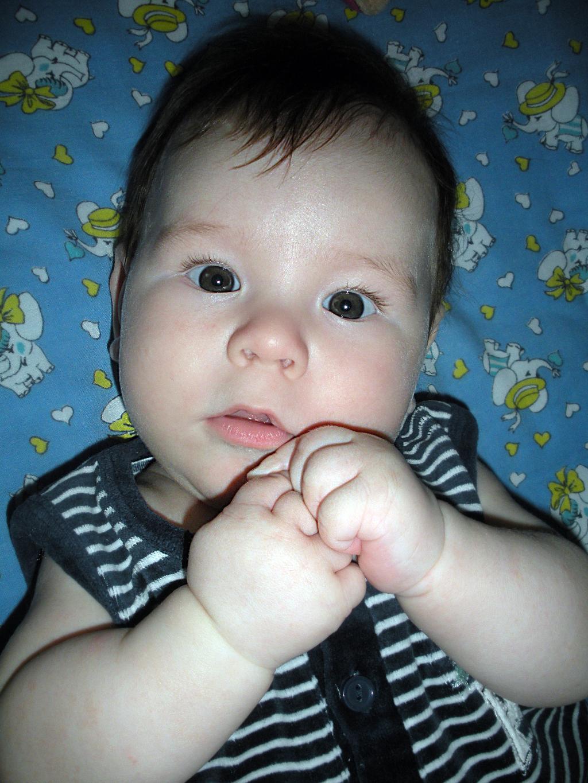 Смотрю на мир широко открытыми глазами!. Малыш на обложку