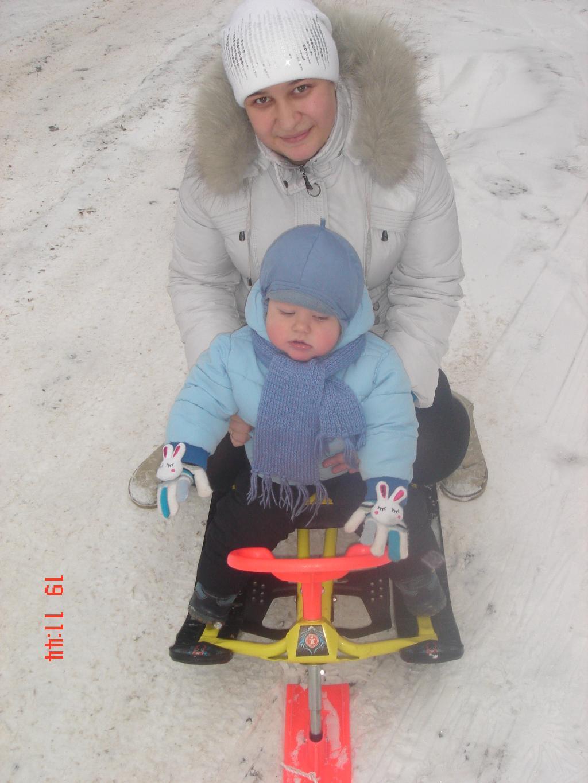 Эх, прокачу!!!!. С мамой на прогулке
