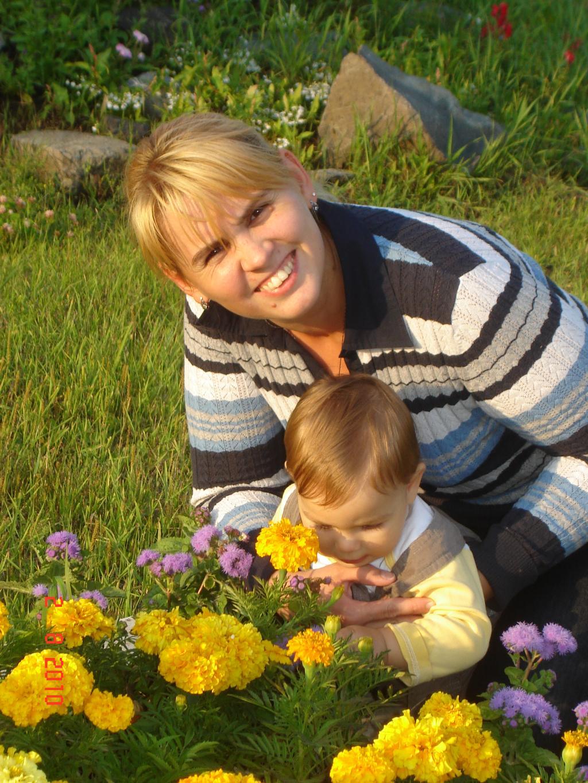 Маленький исследователь на прогулке!. Закрытое голосование фотоконкурса 'С мамой на прогулке'