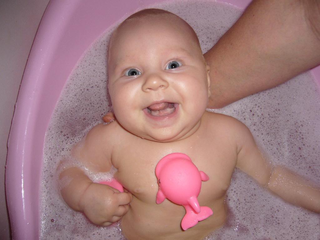 Веселое купание. Играем в ванной