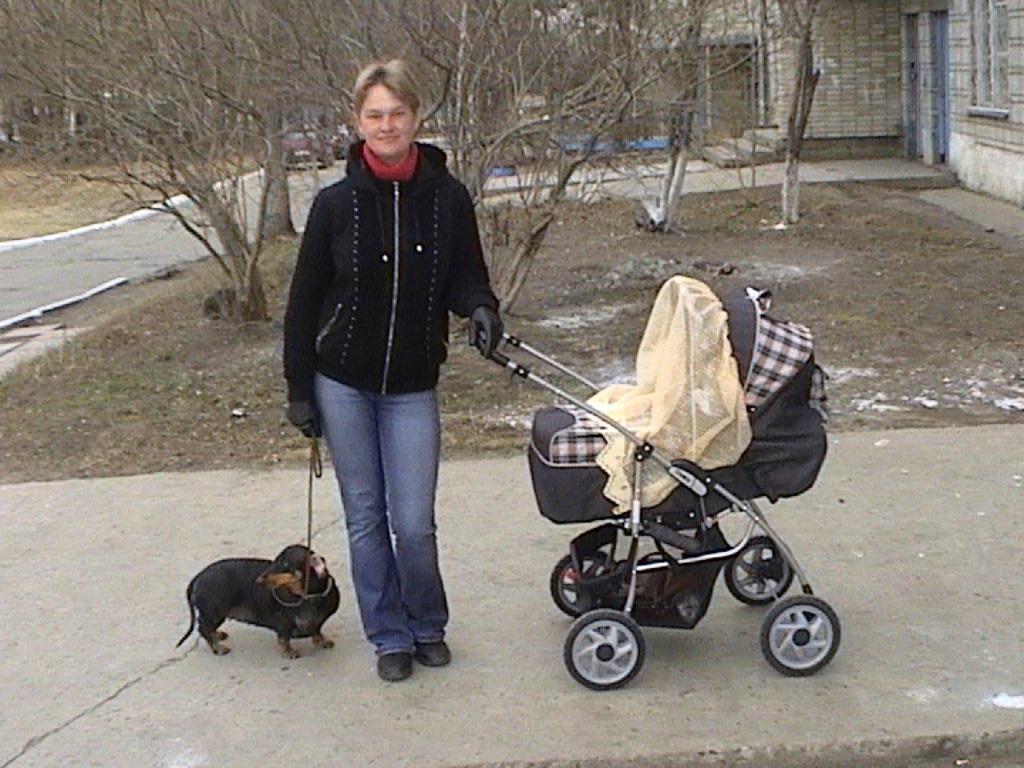 Гуляем с сыном. С мамой на прогулке