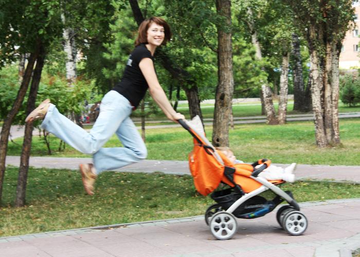 Мэри Поппинс отдыхает... :). С мамой на прогулке