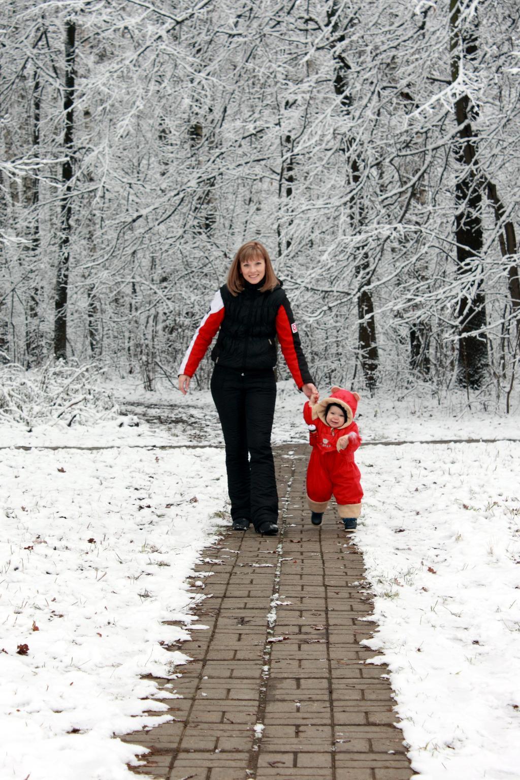 прогулка с любимой мамочкой 4. С мамой на прогулке