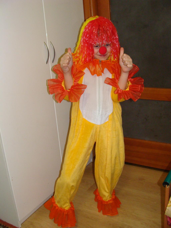 Аришка - клоун.. Новогодний карнавал