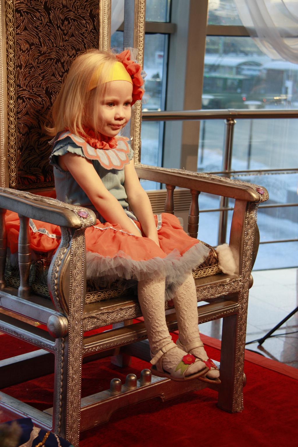 Лера-королева. Новогодний карнавал