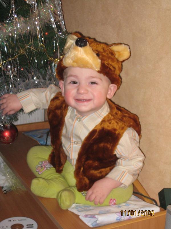 Есть сынок у маменьки - медвежонок маленький. Новогодний карнавал