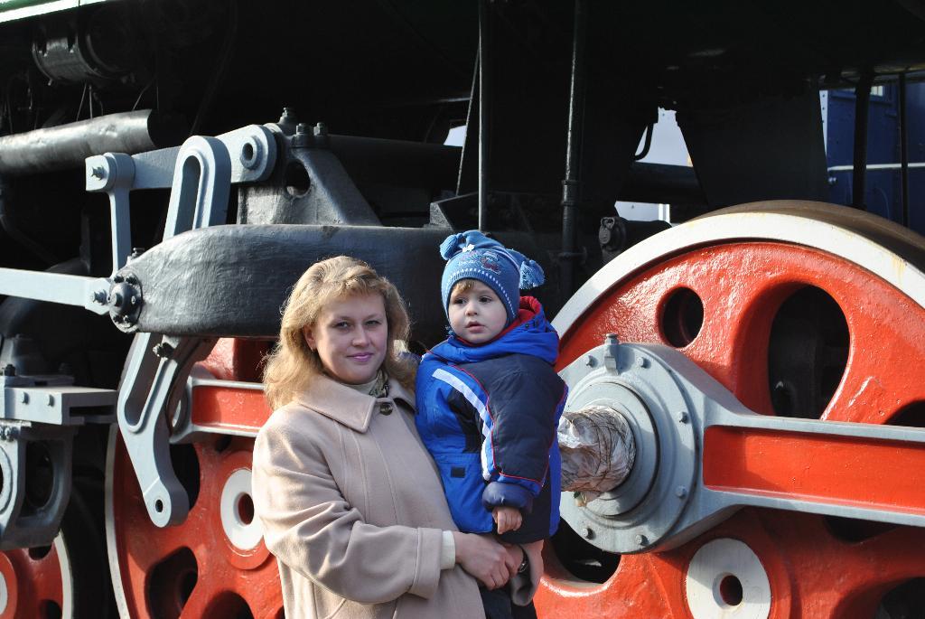 В музее паровозов. С мамой на прогулке