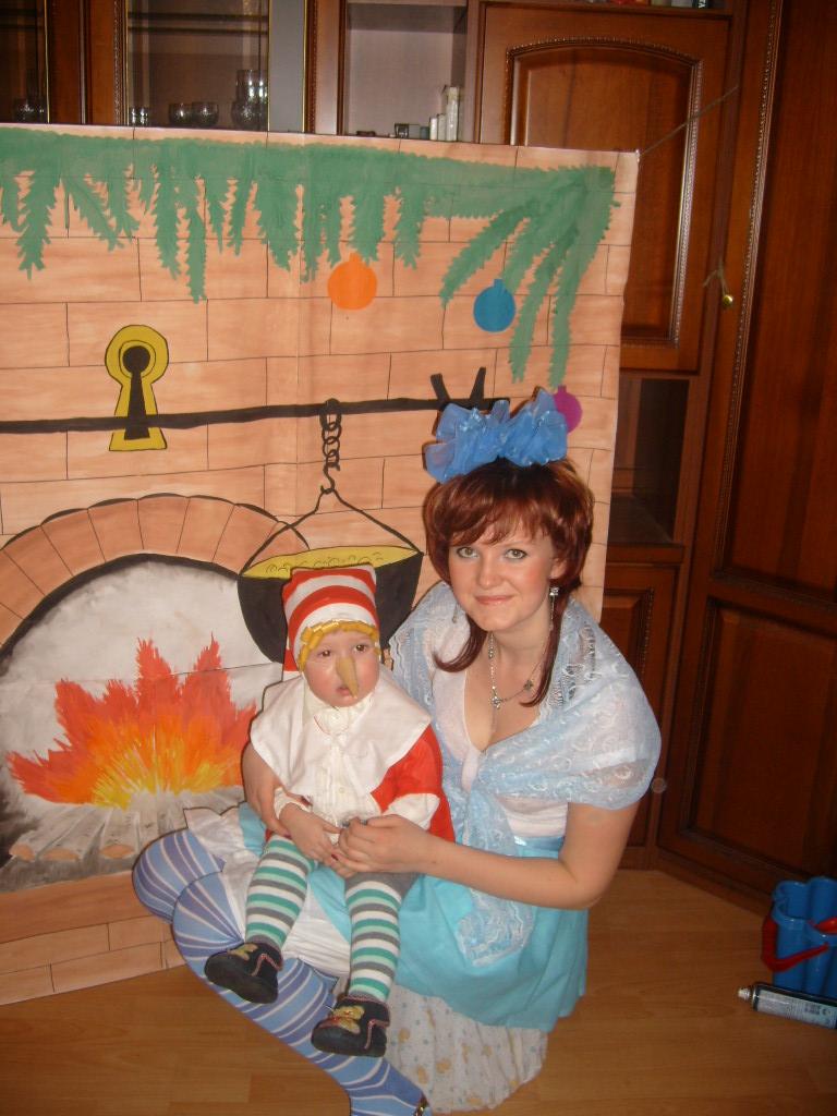 'мама-Мальвина со своим сыночком Буратино!'. Новогодний карнавал