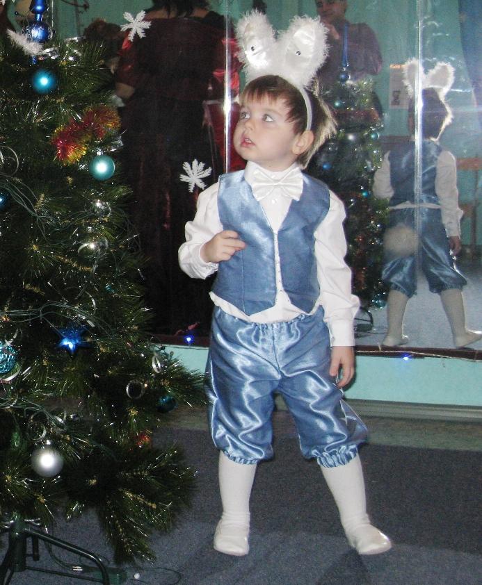 мой мальчик-зайчик Влад. Новогодний карнавал