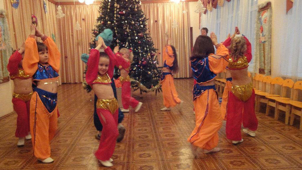 Восточные красавицы. Новогодний карнавал