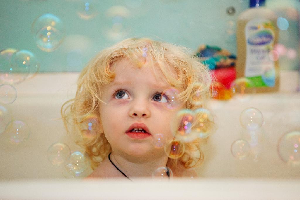 пузырики. Играем в ванной