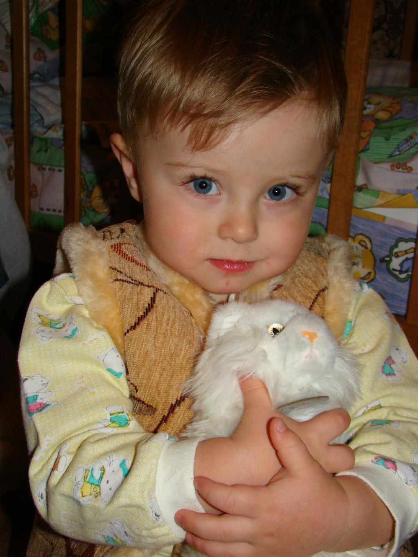 Кирюша с киской Уи-Уи. Малыш на обложку