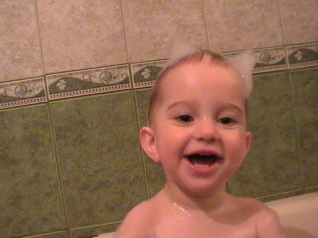 Чертёнок номер 13!. Играем в ванной