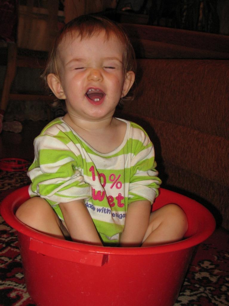 ХОРОШО-ТО КАК!. Играем в ванной