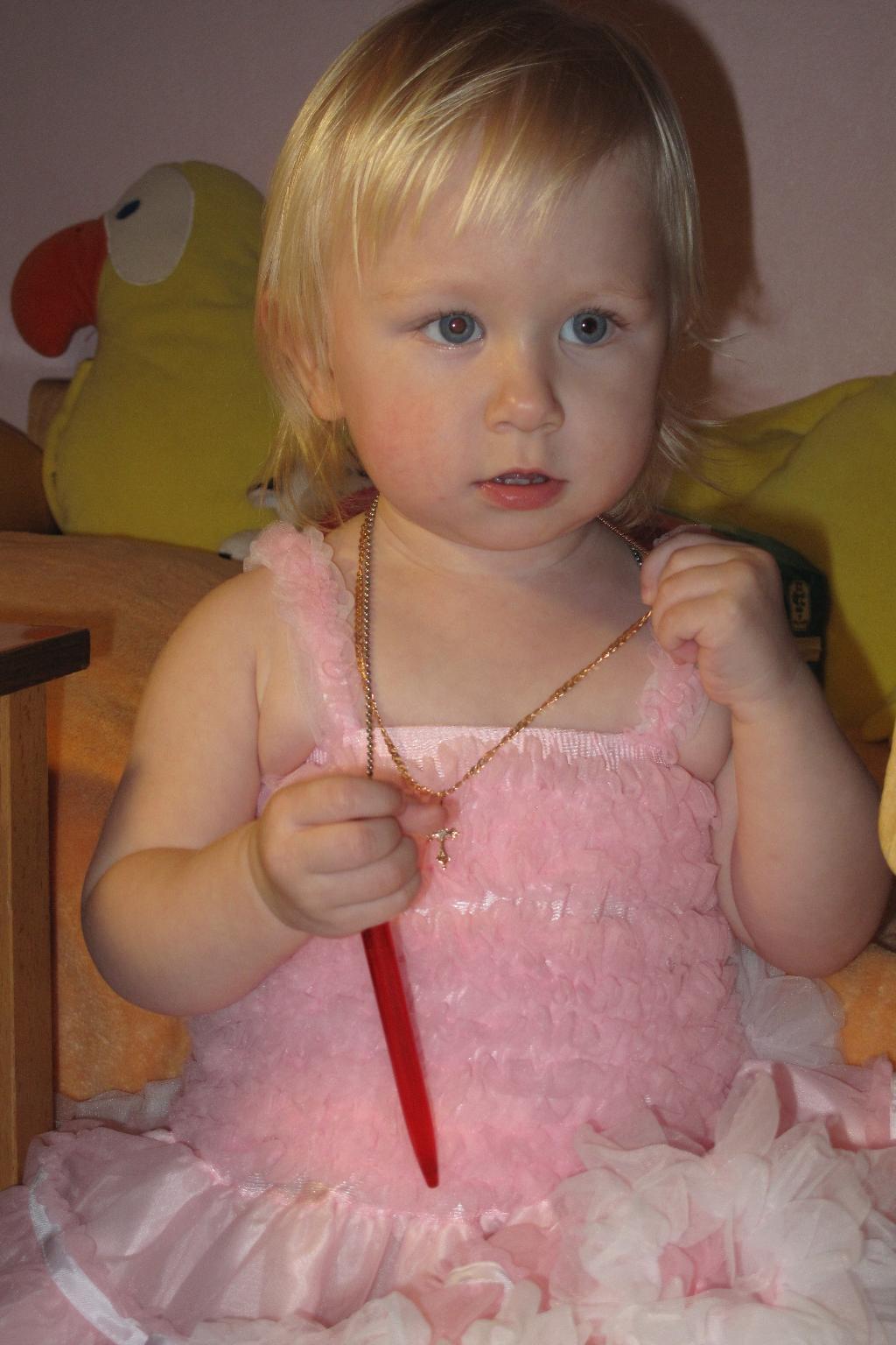 Оля. Малыш на обложку