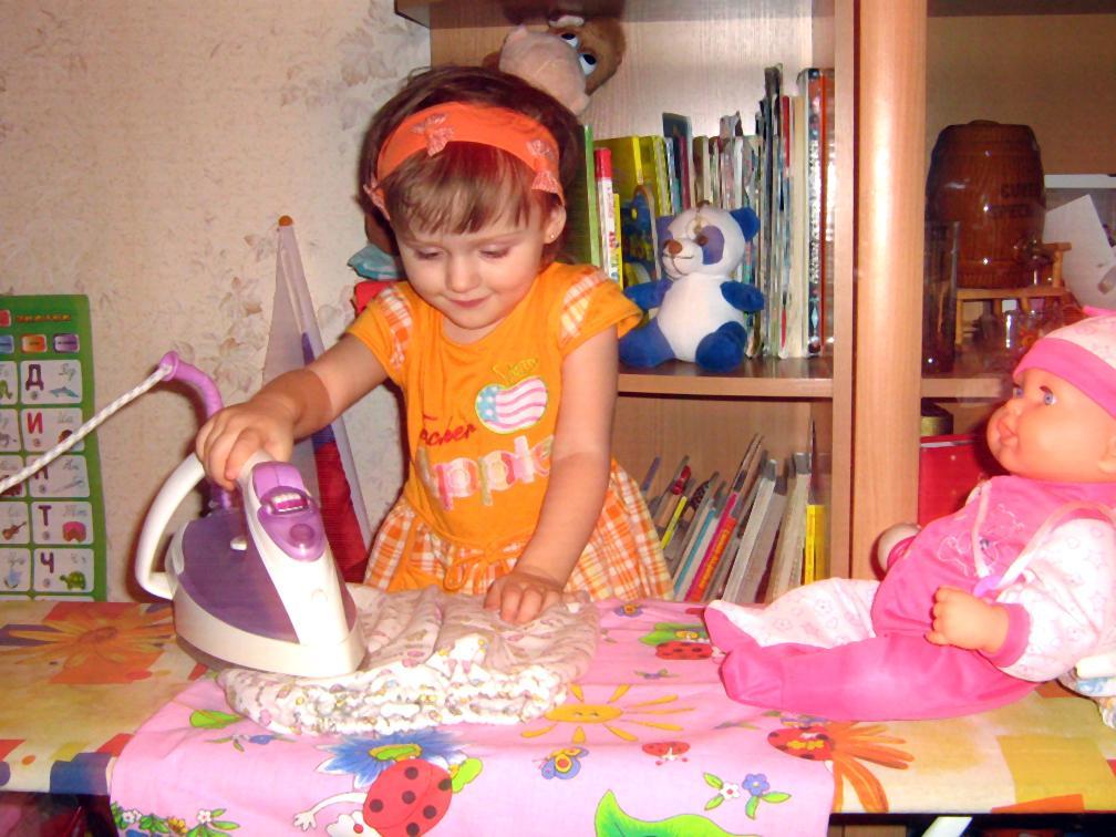 Маленькая помощница!. Закрытое голосование фотоконкурса 'Маленькие помощники'