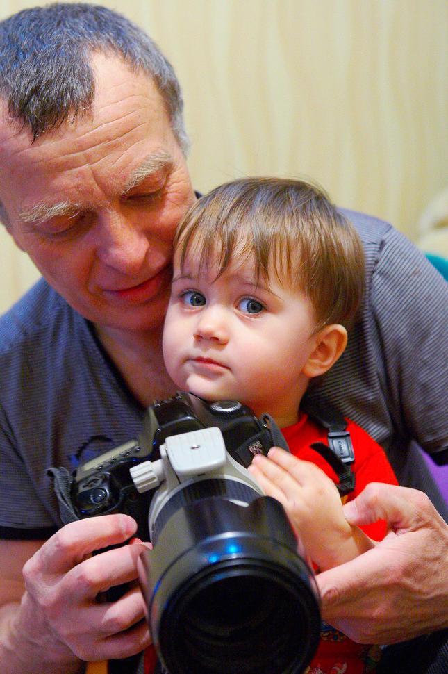 'Дедуль, Я САМА!'. Закрытое голосование фотоконкурса 'Маленькие помощники'