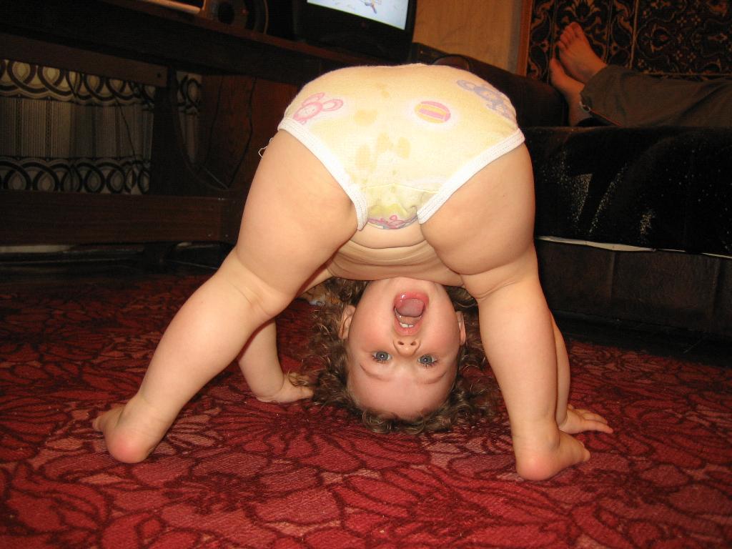 Раз, два, три, четыре, руки на пол, ноги шире.... Олимпийцами становятся с рождения