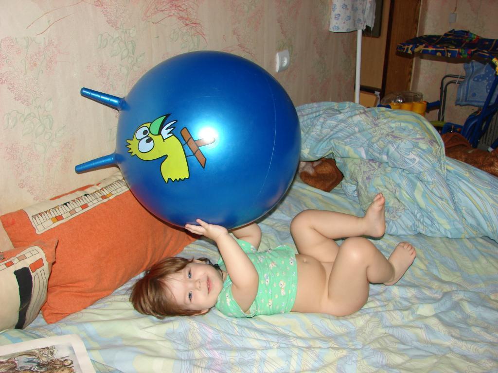 Хочется в мячик поиграть, а встать лень.... Олимпийцами становятся с рождения