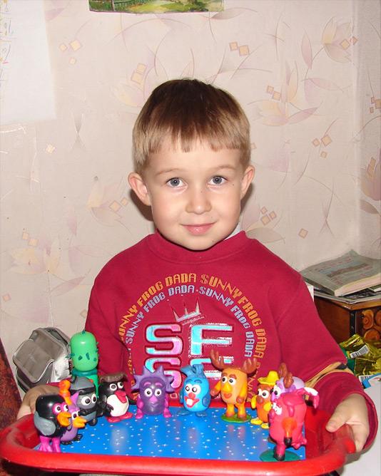Фёдор и киндарики. Самодельные игрушки