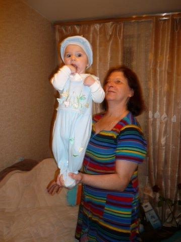 Бабушка с Дианочкой!. Внучата