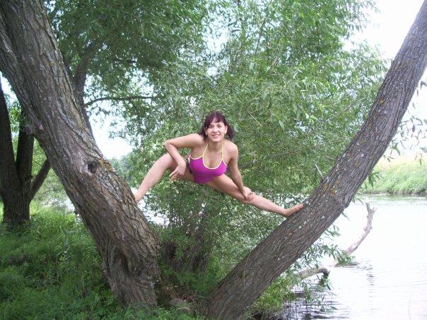 на речке на дереве!. Отдых у воды
