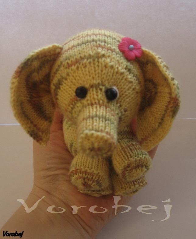 Слонёнка. Вязаные игрушки