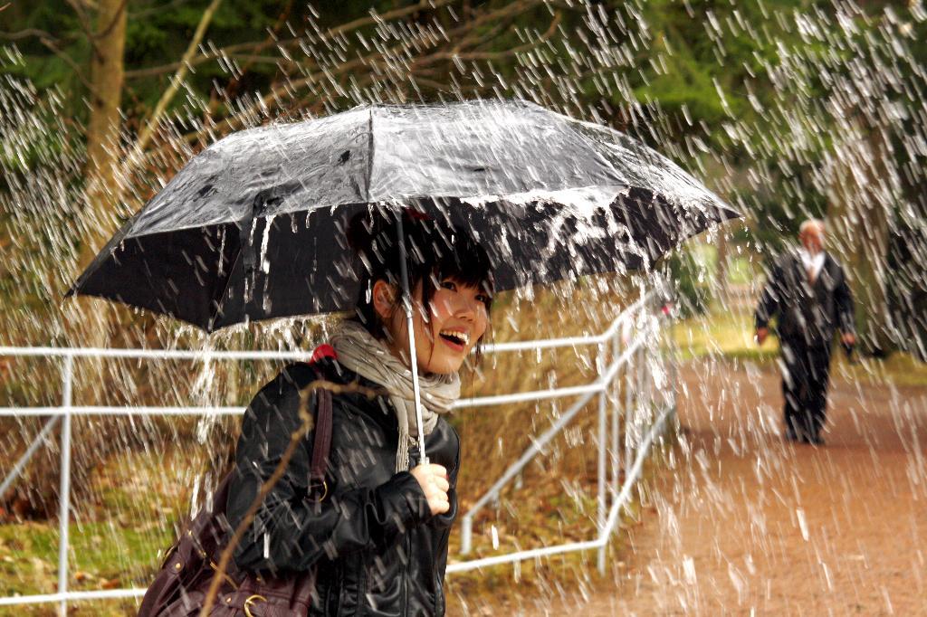 Открытие фонтанов в Петергофе . Закрытое голосование фотоконкурса 'Да здравствует дождь!'