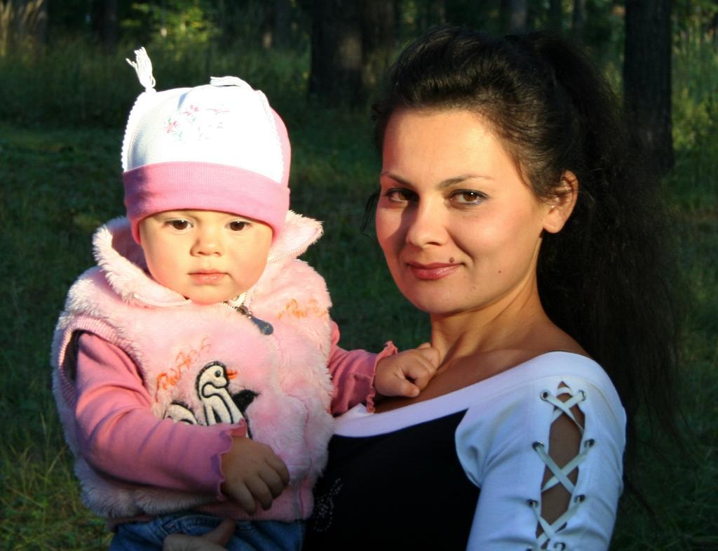 Доченька.. Счастье в маминых руках