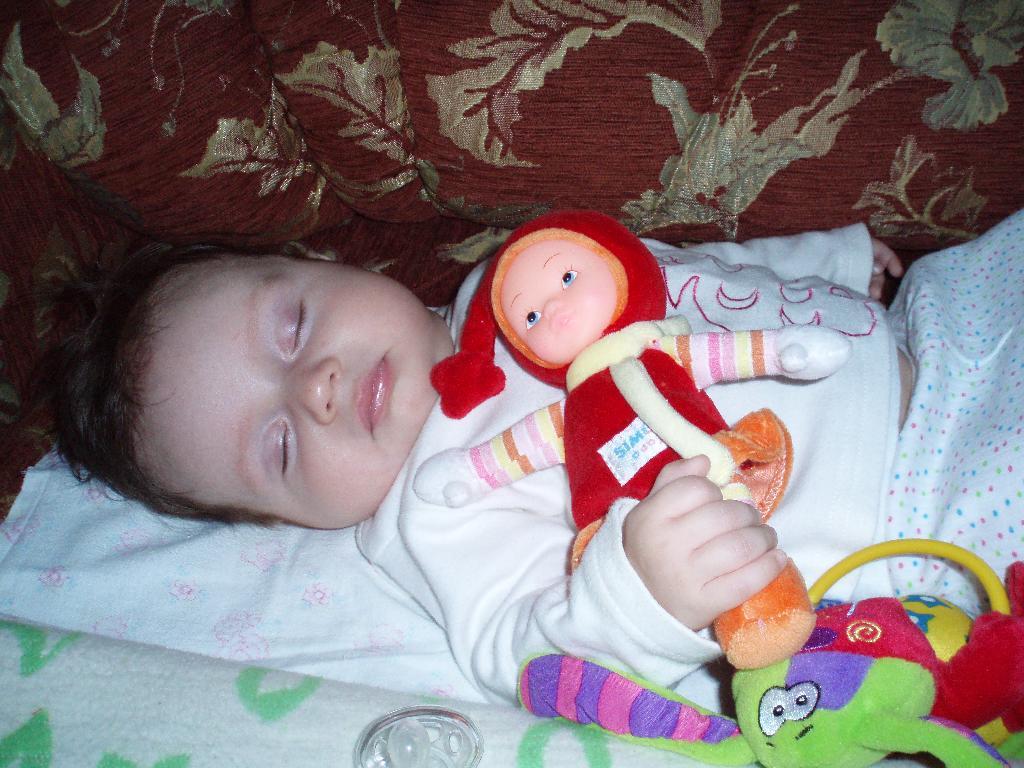 С любимой  Машей. Спят усталые игрушки