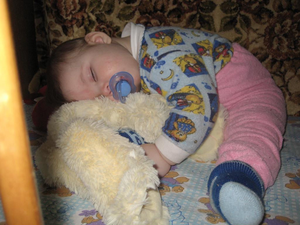 спят устаалые игрушки.... Спят усталые игрушки