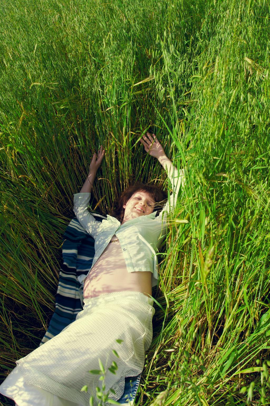 Пузико греется!. Я на солнышке лежу