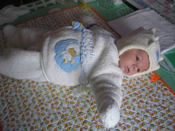 сладкий медвежонок:). Первый месяц