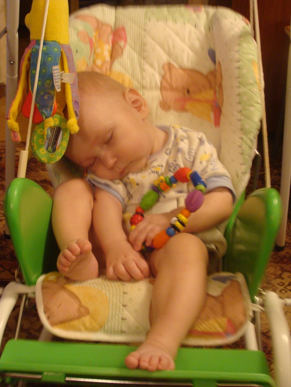 Укачался. Спят усталые игрушки