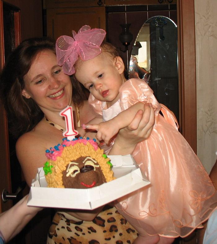 Тортик красивый - как я! А вдруг он - вкусный?!. Первый День рождения