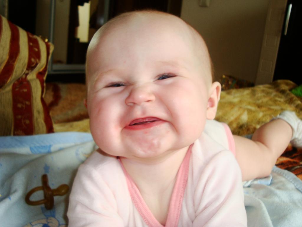 Первые зубки))))))))))УРА!!! 7мес. Мои первые зубки