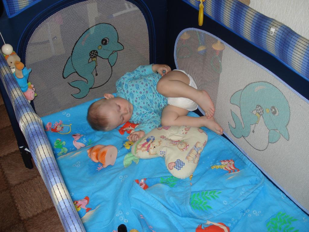 Наигрался и УСНУЛ!!!. Спят усталые игрушки