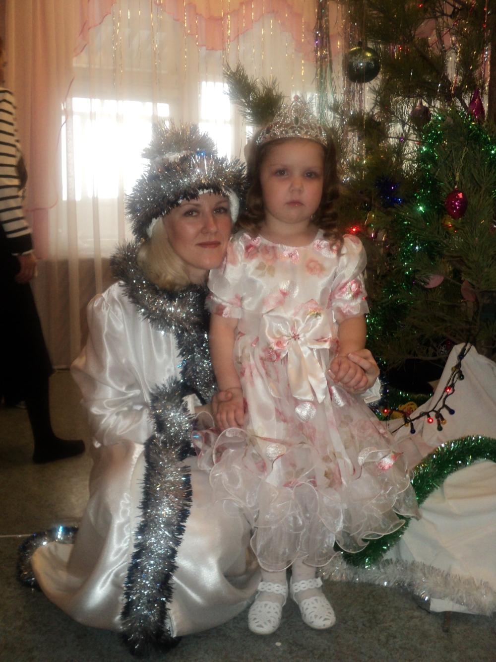 Cнегурочка и маленькая фея!. Новогодний карнавал