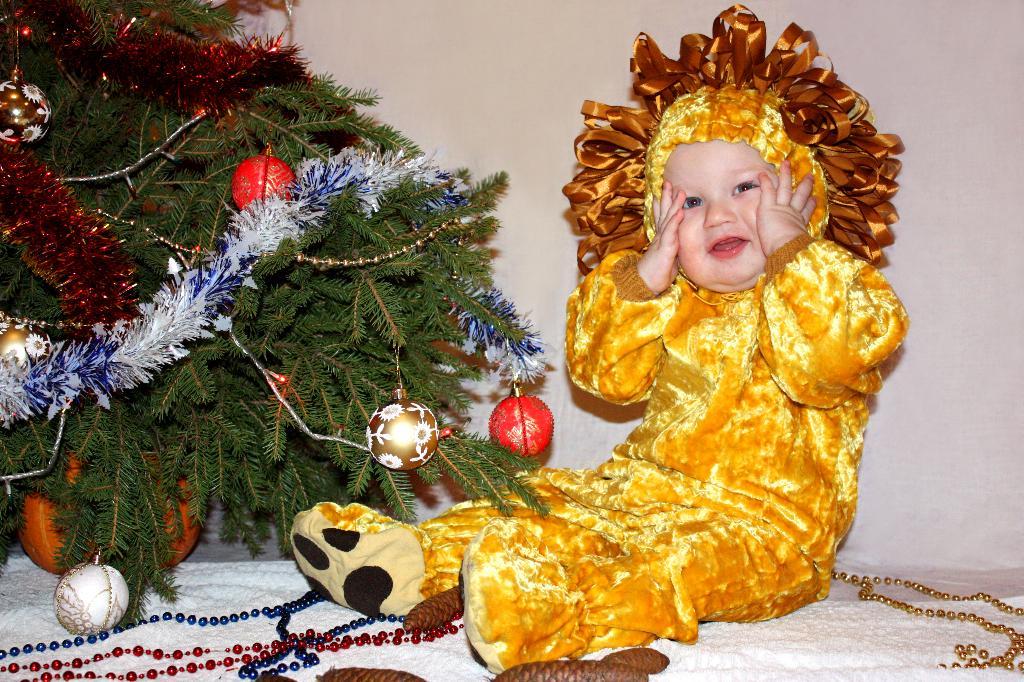 Лева-лева-левушка, рыжая головушка.. Новогодний карнавал