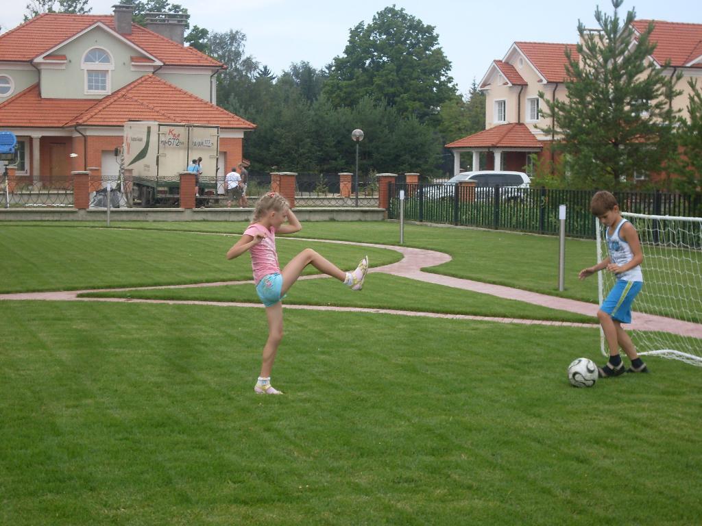 сестры тоже играют в футбол. Моя тренировка