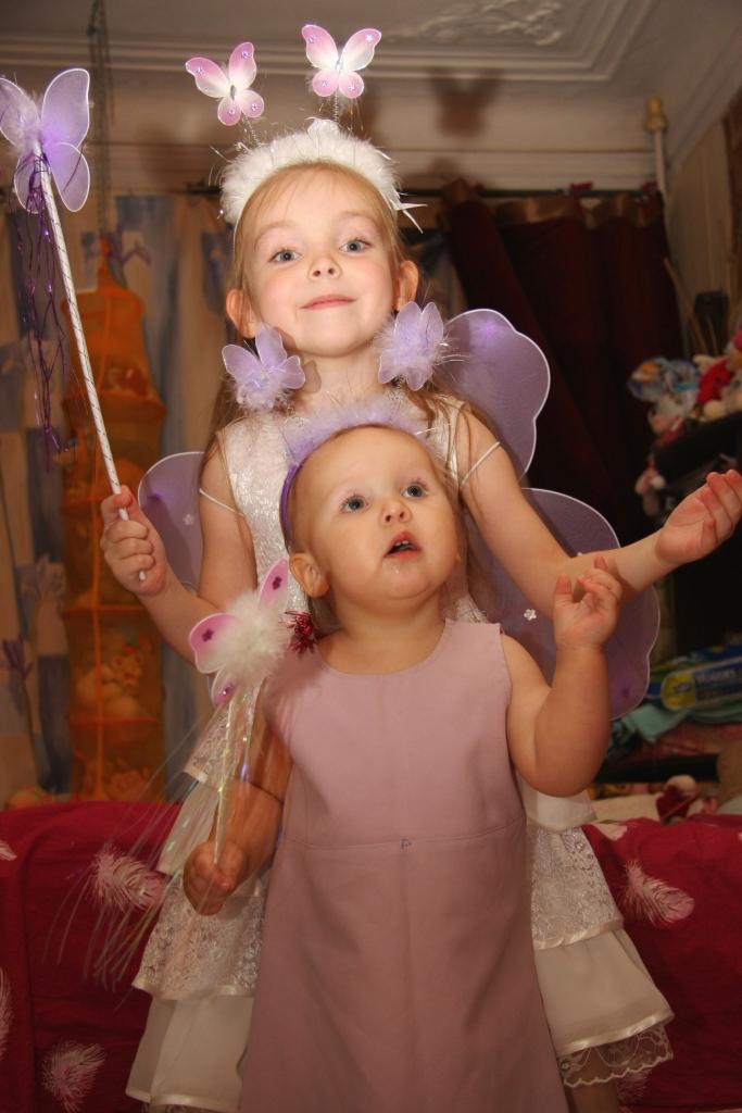 Мы не волшебницы,мы только учимся)))). Новогодний карнавал
