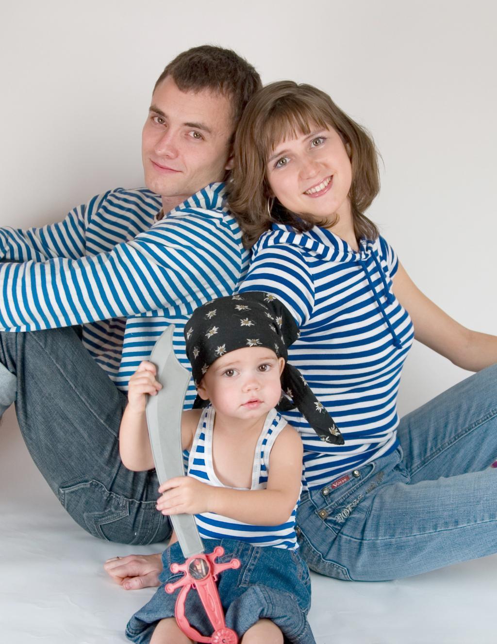 Пиратская семейка. Закрытое голосование фотоконкурса 'Новогодний карнавал'