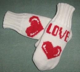 Варежки сувенирно-подарочные к 14 февраля.. Перчатки, варежки, носки, пинетки, обувь