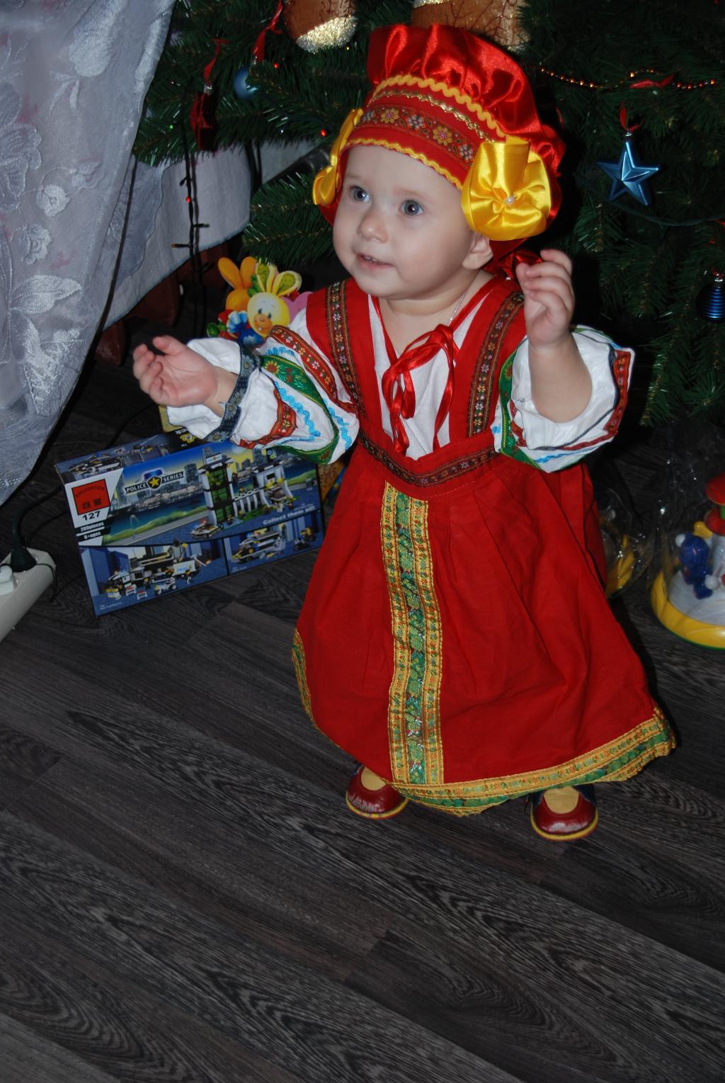 русская краса в новый год пришла. Новогодний карнавал