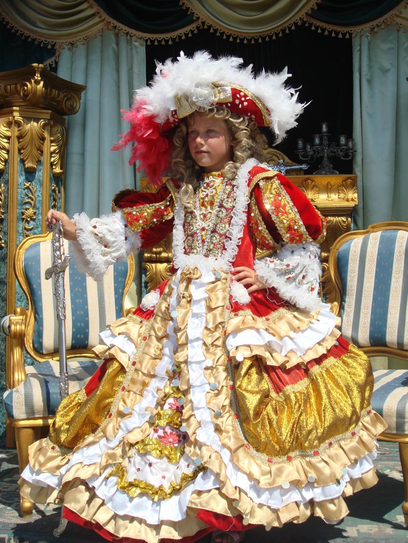 ее Величество - СВЕТЛАНА ПЕРВАЯ !!!. Новогодний карнавал