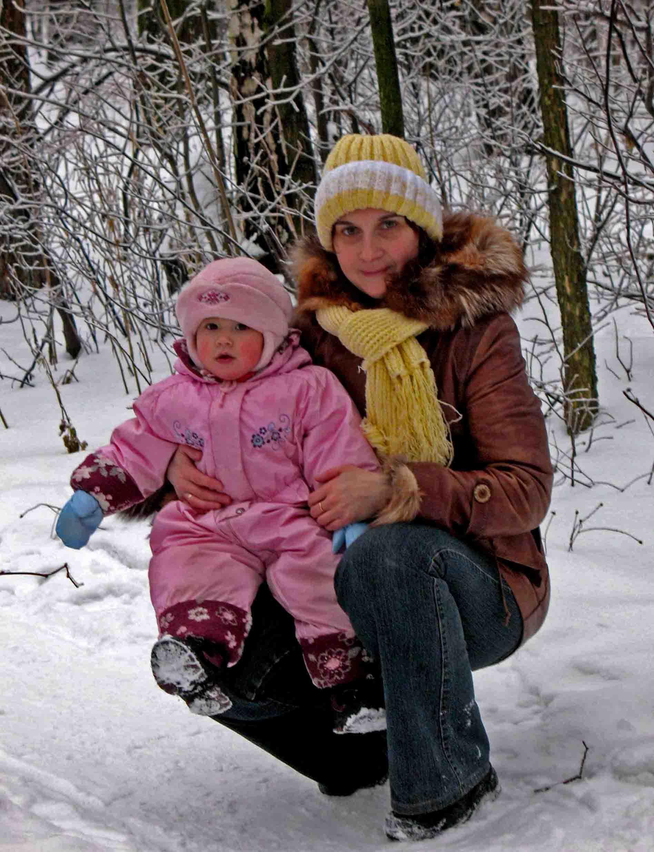 Хорошо в лесу зимой, не пойдём пока домой!!!. С мамой на прогулке