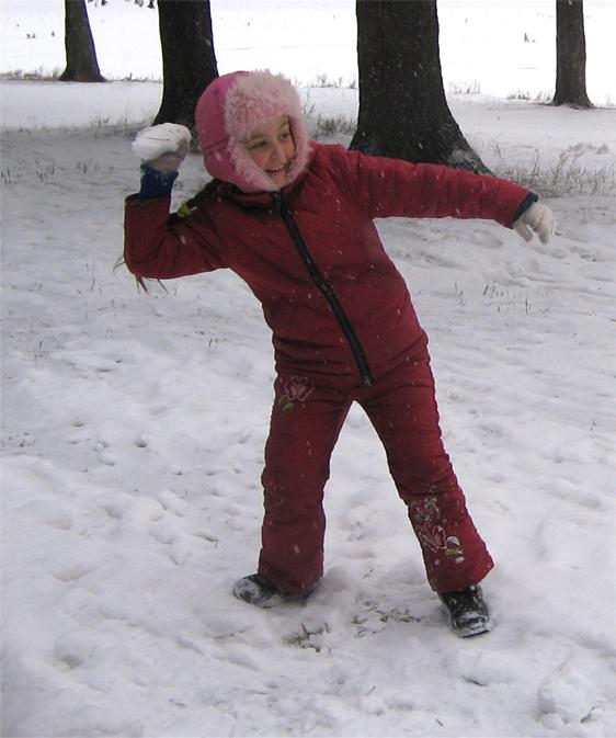 Игра в снежки -  отличная тренировка. Закрытое голосование фотоконкурса 'Моя тренировка'