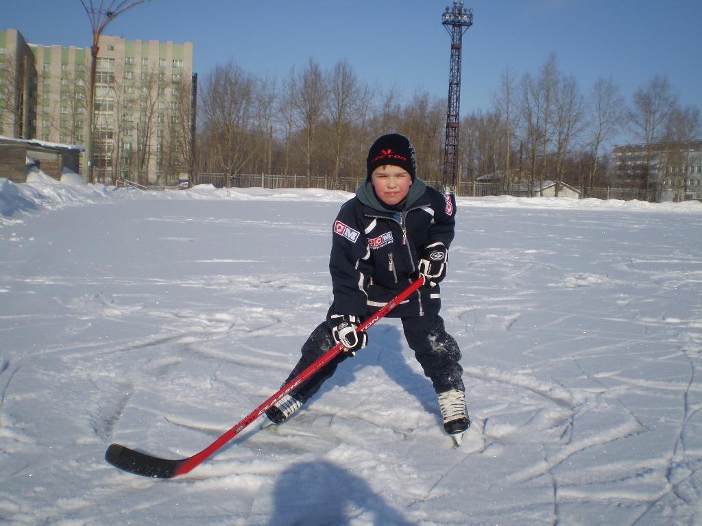 Я люблю играть в хоккей. Моя тренировка