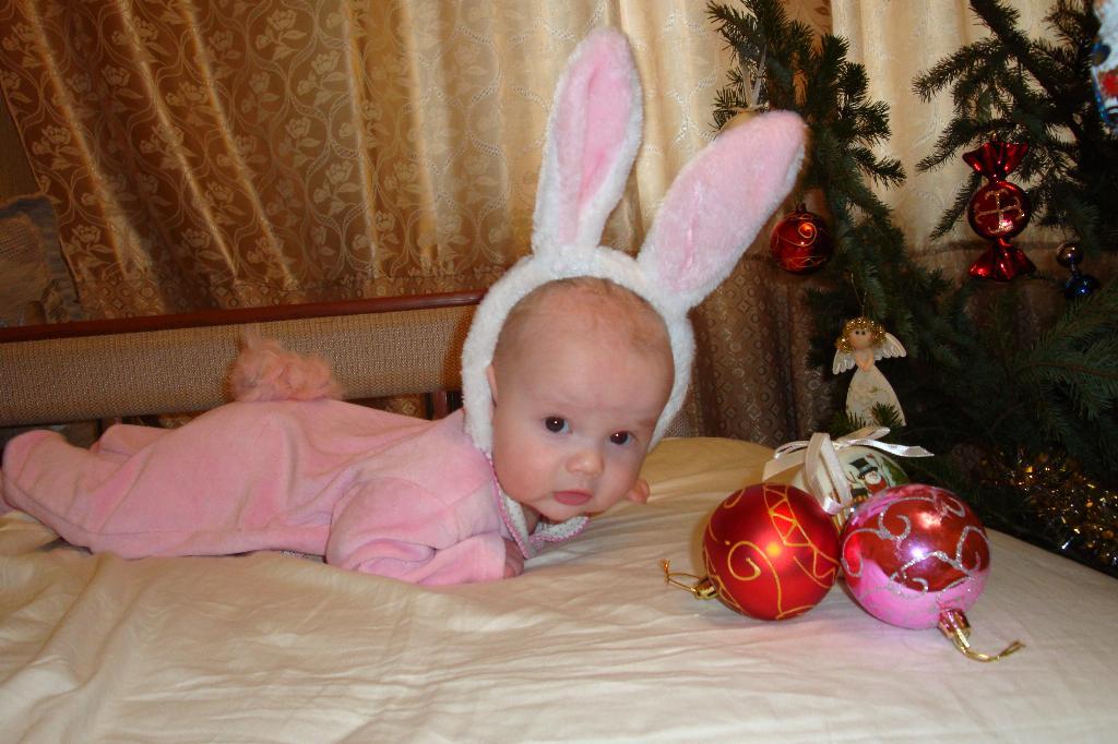4 мес.зайчишка. Новогодний карнавал
