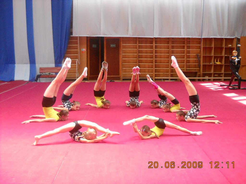 Акробатки. Закрытое голосование фотоконкурса 'Моя тренировка'